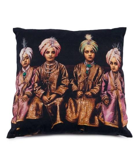 Pillow Jodhpur349 SEK, 39 EUR, 50 USDOscar & Clothilde