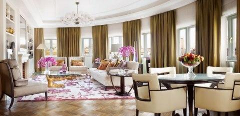 2CHL_Royal_Penthouse_Lounge_794x386