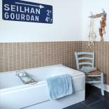 Modern seaside bathroom